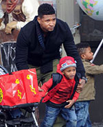 Usher Takes His Kids To The Balloon Saloon!::Balloons in the News