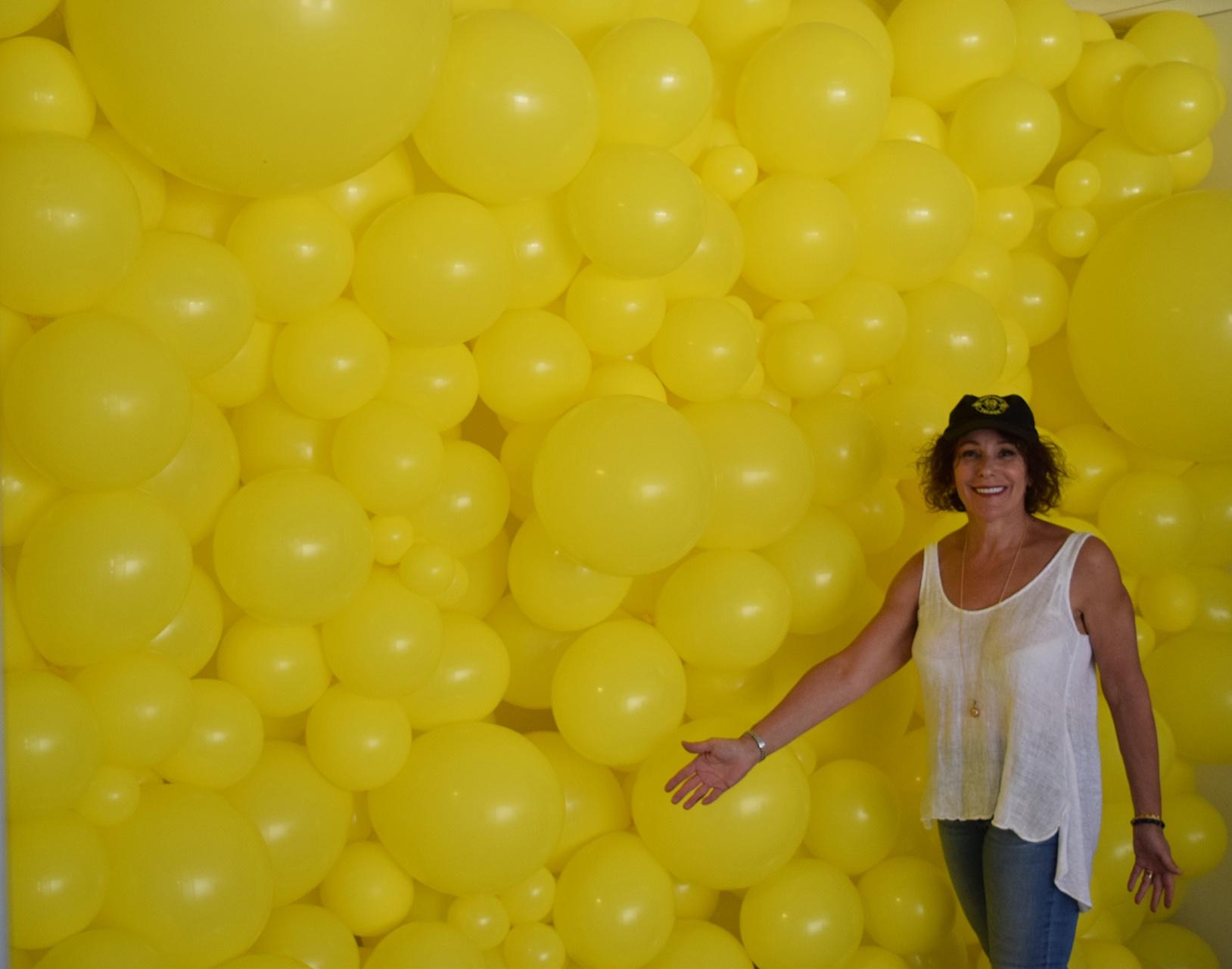 Balloon Walls / Ceilings : Yellow Balloon Wall