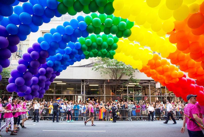 pride parade   balloon saloon u0026 39 s new york city pride archways