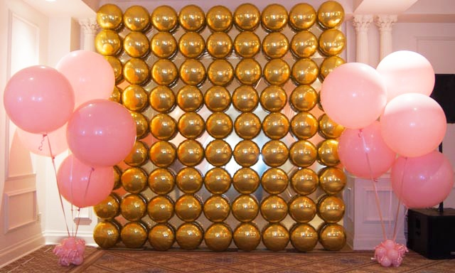 Balloon Walls / Ceilings : Plaza Hotel Balloon Wall With