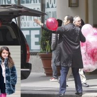 Suri Cruise celebrates her eighth birthday with pink balloons