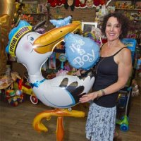 NY Post July 23, 2013 - New Yorkers are spending a royal bounty on balloons to celebrate the little prince's arrival. Balloon Saloon owner Sharon Hershkowitz has sold 40 baby-themed balloon arrangements.View photo gallery